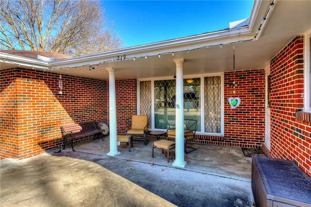219 Virginia Road Property Photo 2