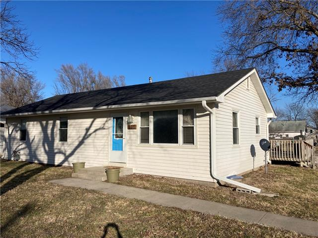205 N Mulberry Street Property Photo - Adrian, MO real estate listing