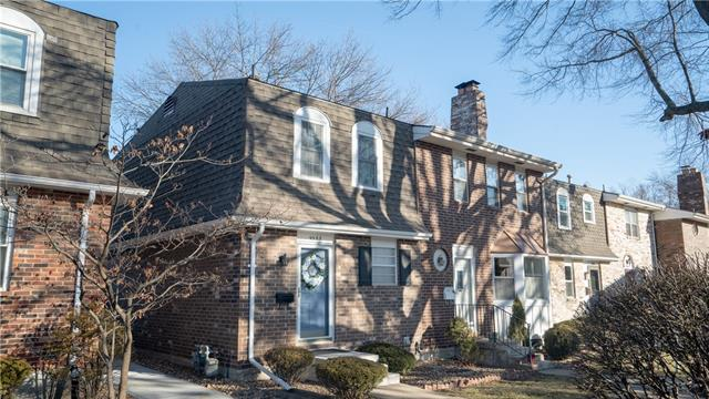 9585 Perry Lane Property Photo - Overland Park, KS real estate listing