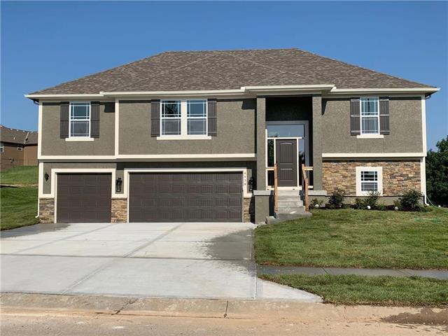 1301 Nw Crestwood Drive Property Photo