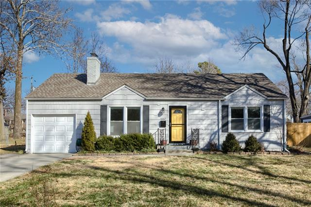 5207 Rosewood Drive Property Photo - Roeland Park, KS real estate listing