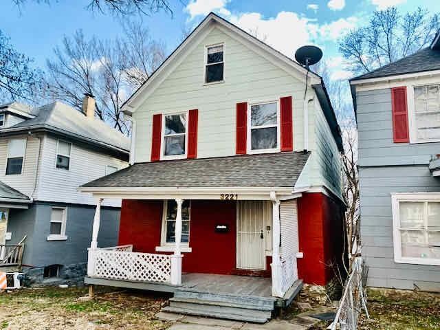 3221 E 11 Street Property Photo