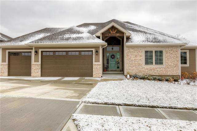 9811 Promenade Drive Property Photo - Parkville, MO real estate listing