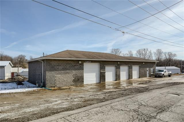 305 Milwaukee Street Property Photo - Excelsior Springs, MO real estate listing