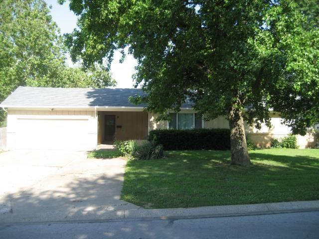 12621 JACKSON Avenue Property Photo - Grandview, MO real estate listing