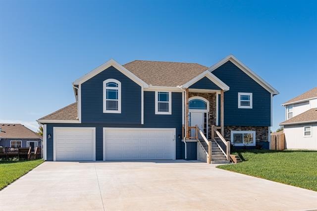 1905 N 162nd Terrace Property Photo - Basehor, KS real estate listing