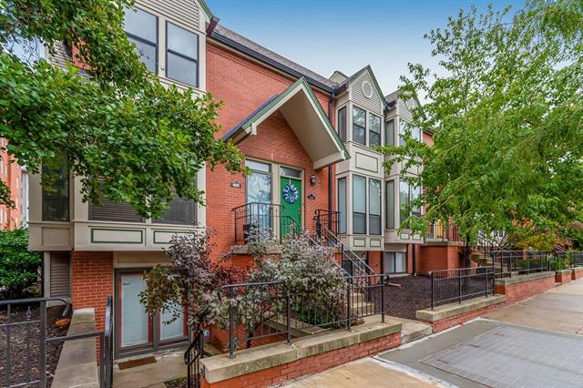 411 W 10th Street Property Photo - Kansas City, MO real estate listing