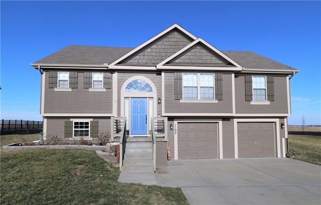 1102 W 10th Avenue Property Photo - Kearney, MO real estate listing