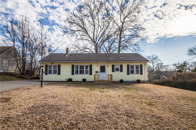 8211 W 59th Terrace Property Photo - Merriam, KS real estate listing