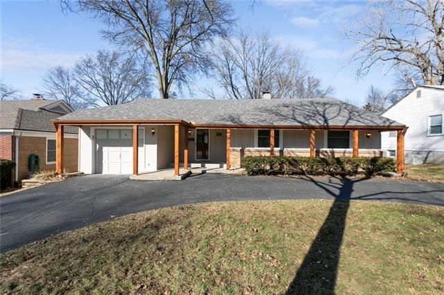 3002 W 49th Place Property Photo - Westwood, KS real estate listing