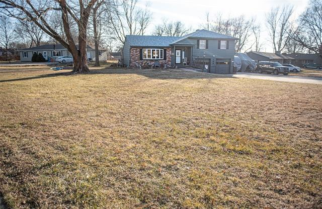 105 Santa Fe Drive Property Photo - Baldwin City, KS real estate listing