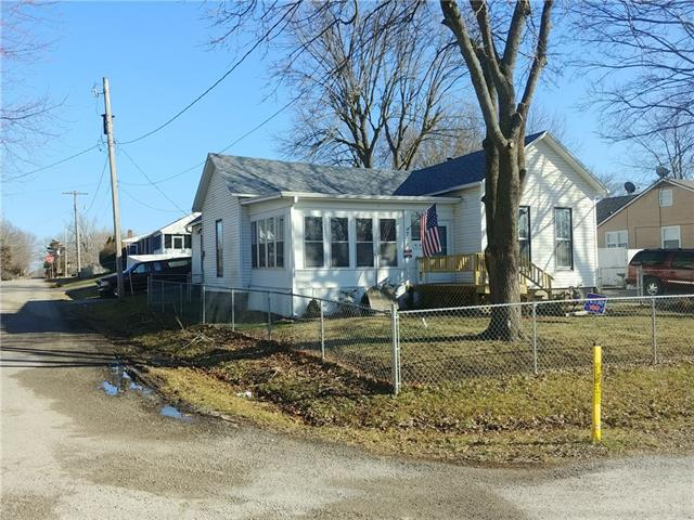 701 S Lexington Street Property Photo - Holden, MO real estate listing