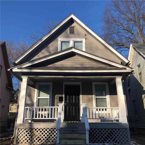 208 N Elmwood Avenue Property Photo - Kansas City, MO real estate listing