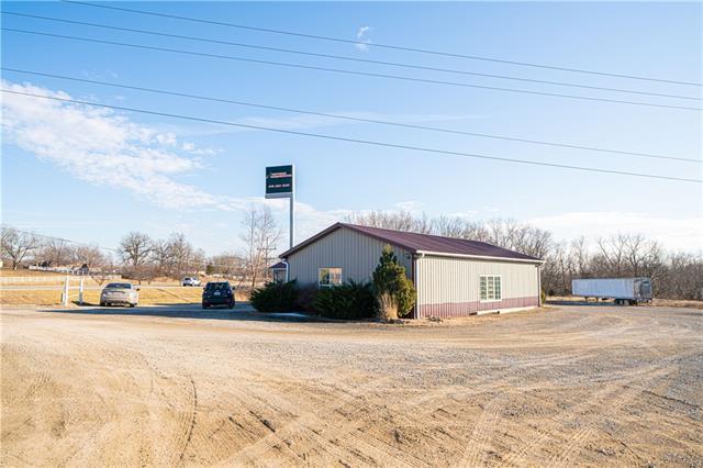 1400 S 71 Highway Property Photo