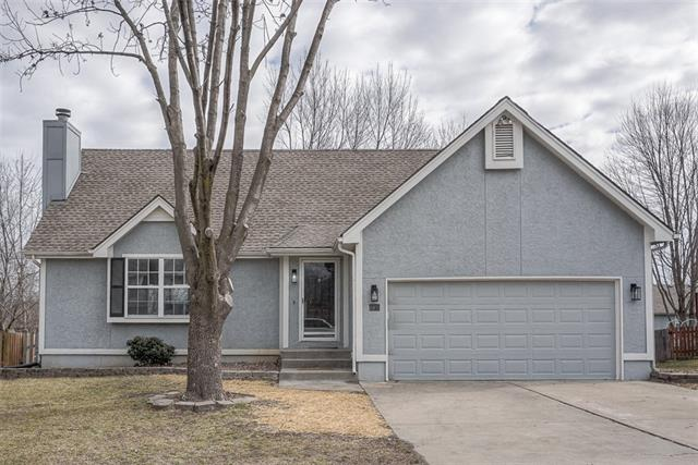 709 NE Aaron Drive #D Property Photo - Lees Summit, MO real estate listing