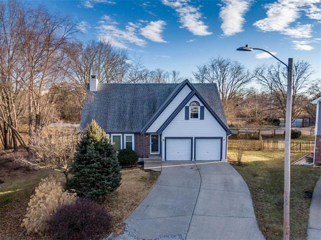 1925 SE 7th Street Property Photo - Lee's Summit, MO real estate listing