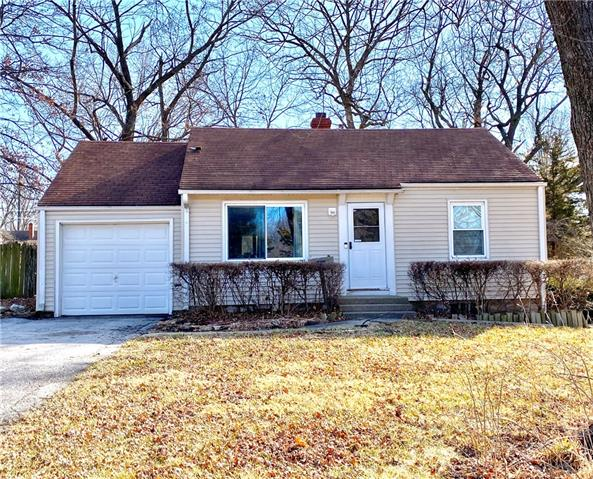 8421 W 54th Terrace Property Photo - Merriam, KS real estate listing