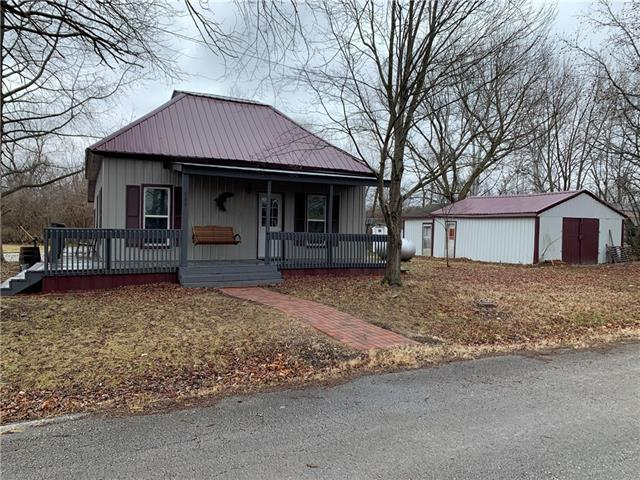 500 S 6th Street Property Photo - Deepwater, MO real estate listing