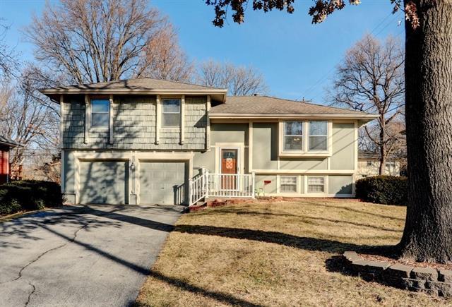 11924 W 93rd Street Property Photo - Lenexa, KS real estate listing