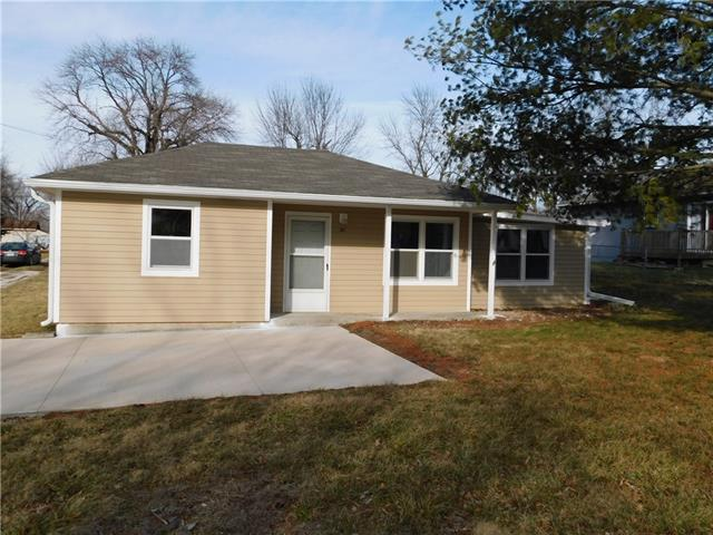 502 10th Street Property Photo - Garden City, MO real estate listing