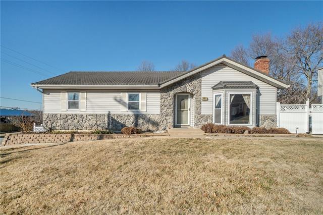 500 E Harold Street Property Photo - Olathe, KS real estate listing