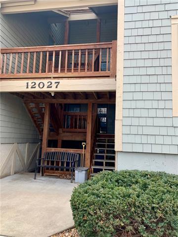 12027 W 58th Place #B Property Photo - Shawnee, KS real estate listing