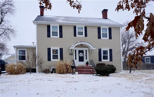 1404 S Willow Street Property Photo - Ottawa, KS real estate listing