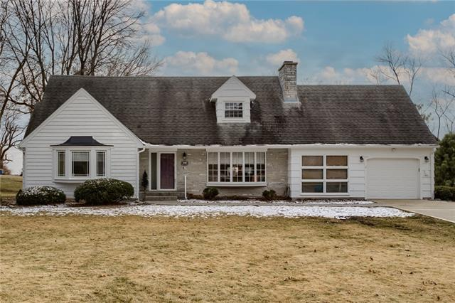 1019 Southwind Drive Property Photo - Excelsior Springs, MO real estate listing