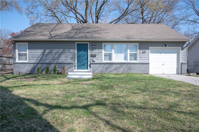 3904 NE 52nd Terrace Property Photo - Kansas City, MO real estate listing