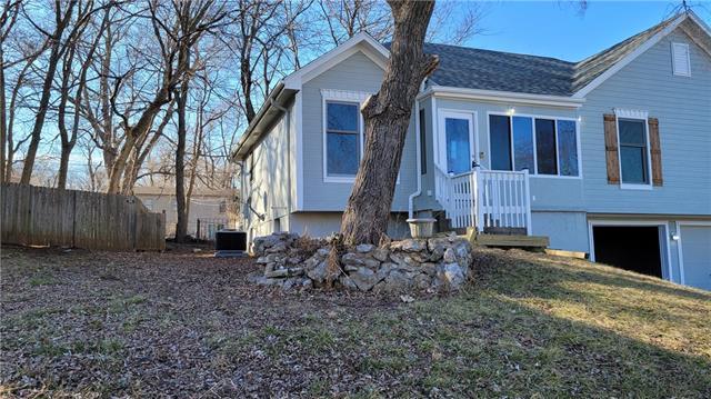 14908 Stonewood Drive Property Photo - Grandview, MO real estate listing