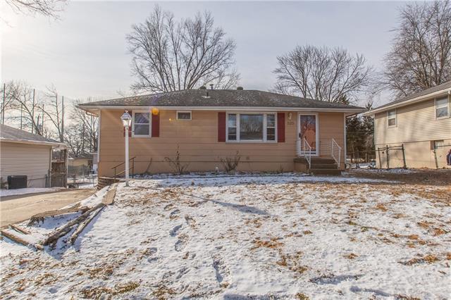 525 NW 88th Street Property Photo - Kansas City, MO real estate listing