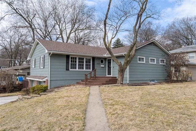 7630 Pawnee Street Property Photo - Prairie Village, KS real estate listing