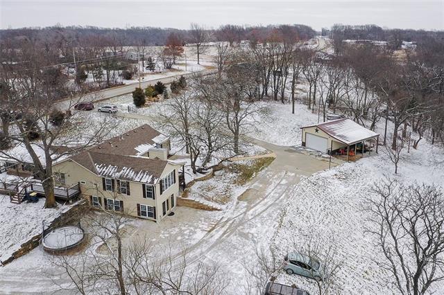 27585 W 83 Street Property Photo 3