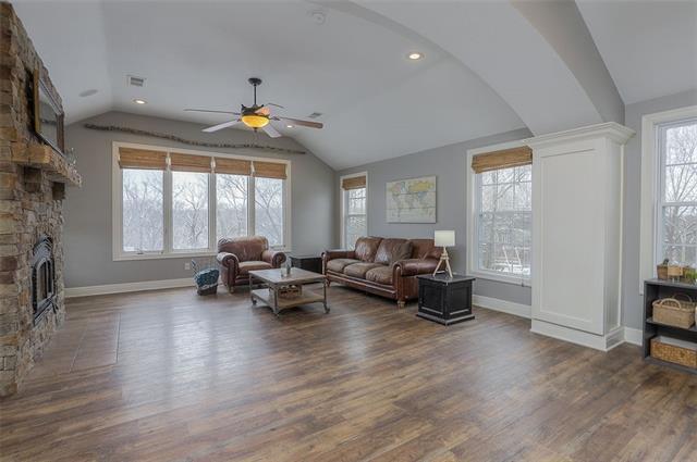 27585 W 83 Street Property Photo 13