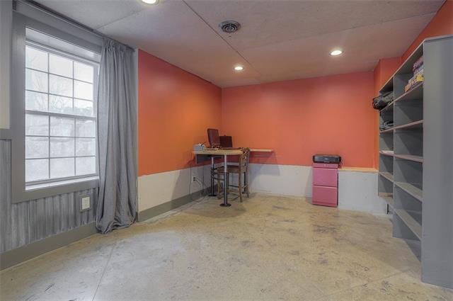 27585 W 83 Street Property Photo 47