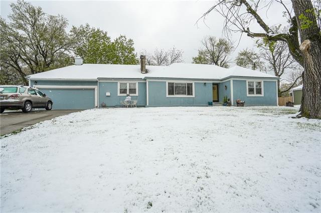 9815 State Line Road Property Photo - Kansas City, MO real estate listing