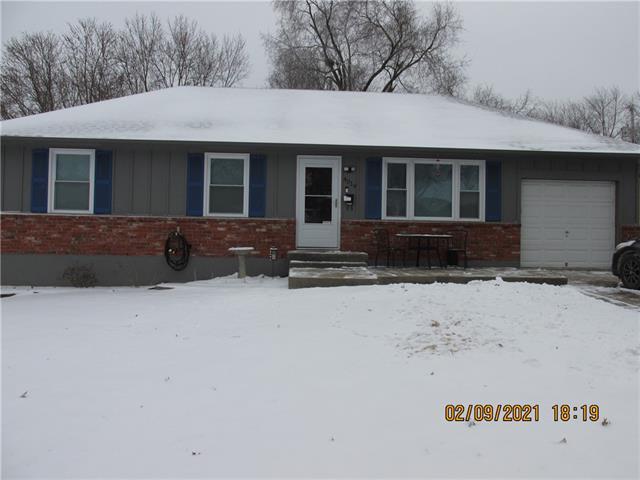4019 Surrey Lane Property Photo - Independence, MO real estate listing