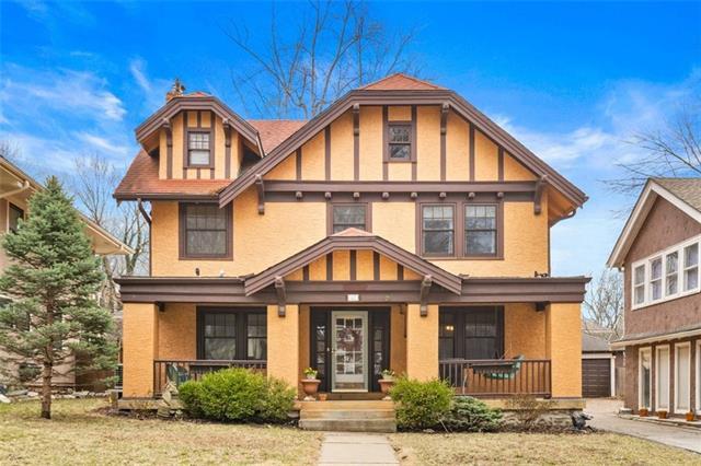 829 W Gregory Boulevard Property Photo - Kansas City, MO real estate listing