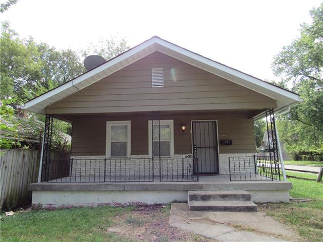 2901 E 61st Street Property Photo