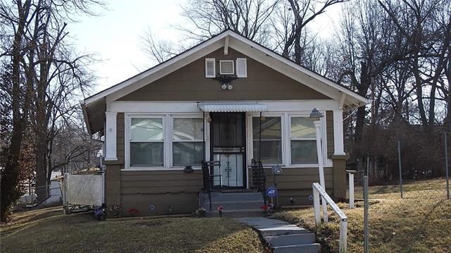 2917 E 61st Street Property Photo - Kansas City, MO real estate listing