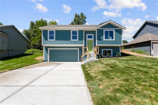 8903 W Longview Parkway Property Photo - Kansas City, MO real estate listing