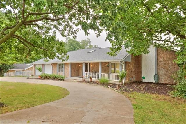 9703 NW 77th Terrace Property Photo - Weatherby Lake, MO real estate listing