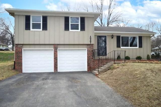 10207 W 52ND Terrace Property Photo - Merriam, KS real estate listing