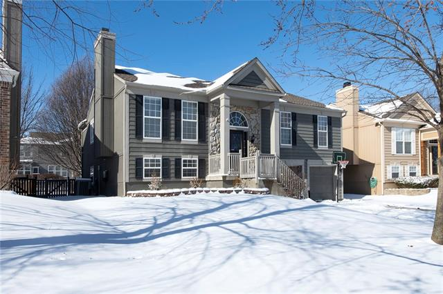 15318 W 156th Street Property Photo