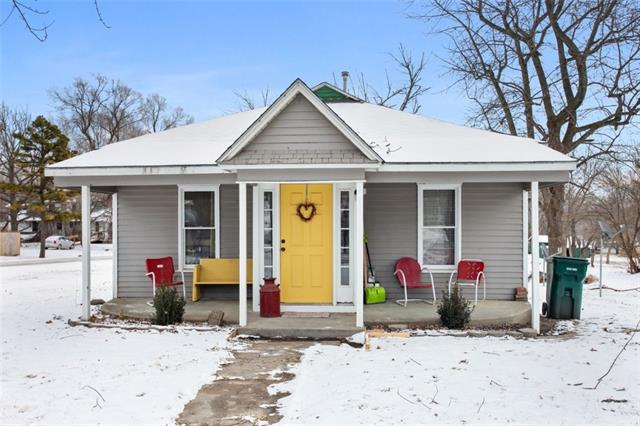 210 N Union Street Property Photo - McLouth, KS real estate listing