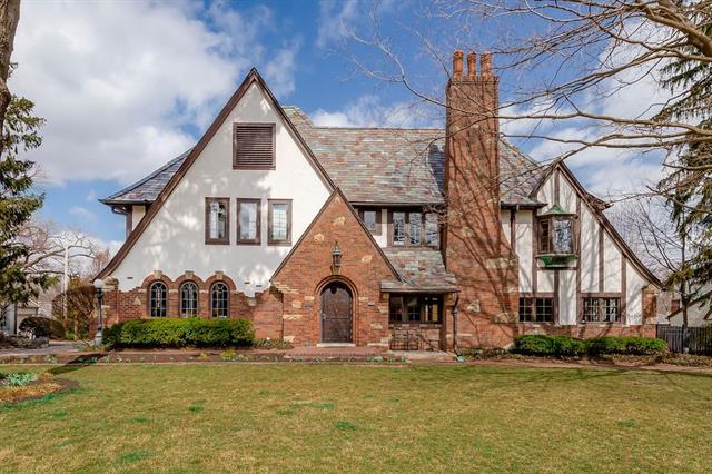 1206 Stratford Road Property Photo - Kansas City, MO real estate listing