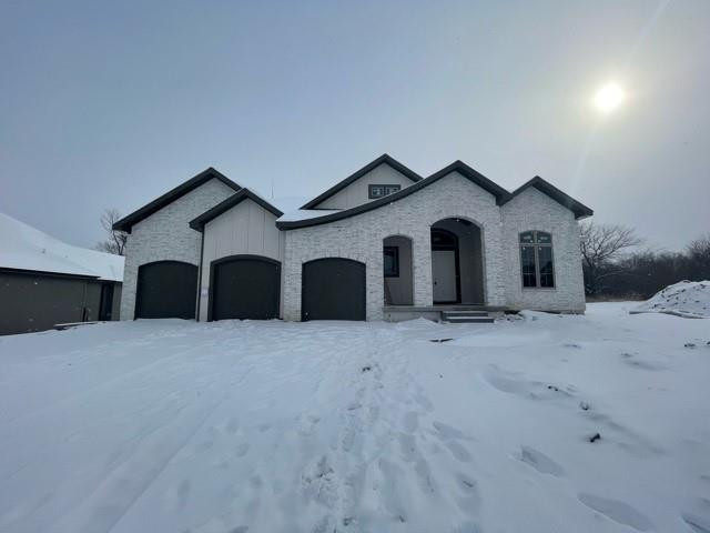 2029 NE Bluestone Drive Property Photo - Lee's Summit, MO real estate listing