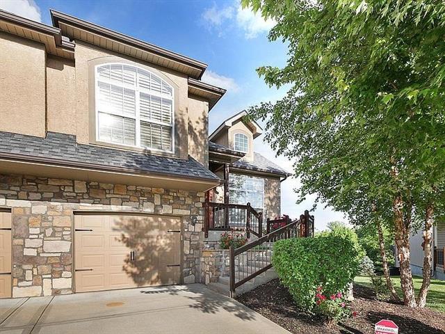 8519 N Woodland Court Property Photo
