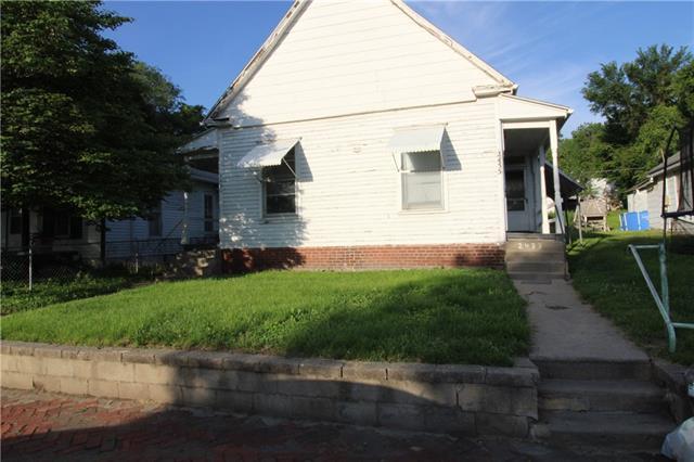 2431 S 11 Street Property Photo - St Joseph, MO real estate listing
