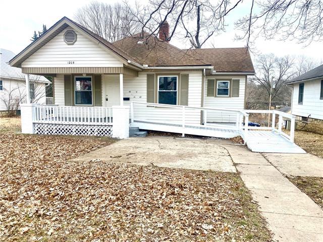 1205 Central Avenue Property Photo - Leavenworth, KS real estate listing